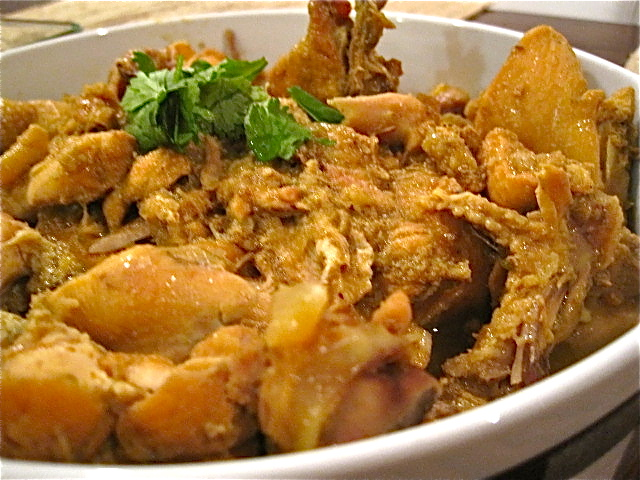 Chet-Tha-Hsi-Byan: Burmese Chicken Curry